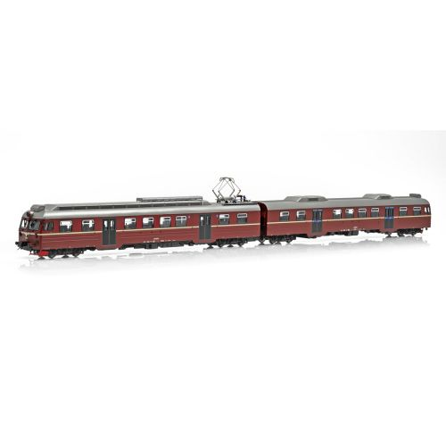 Topline Lokomotiver, NMJ Topline model of the NSB BM69.014 in the red/brown livery with black doors., NMJT84.103
