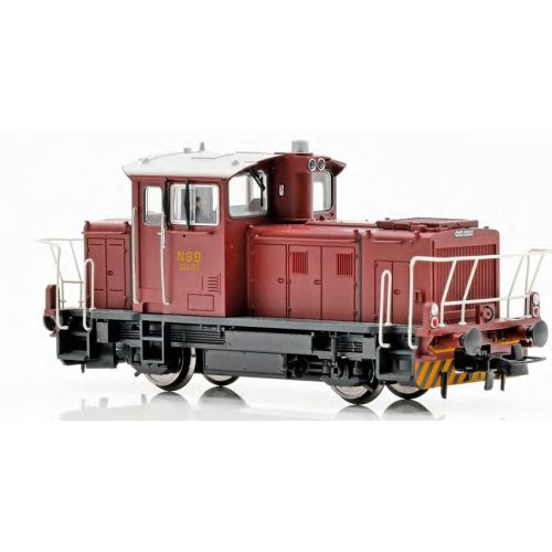 Topline Lokomotiver, New improved SUPERVERSION of the NSB SKd 224.222, DCC digital version with new improved Main PCB with built-in Decoder, Kondensator, with exits for automatic couplers and metal gears,  makes this the perfect shunting tractor., NMJT83.